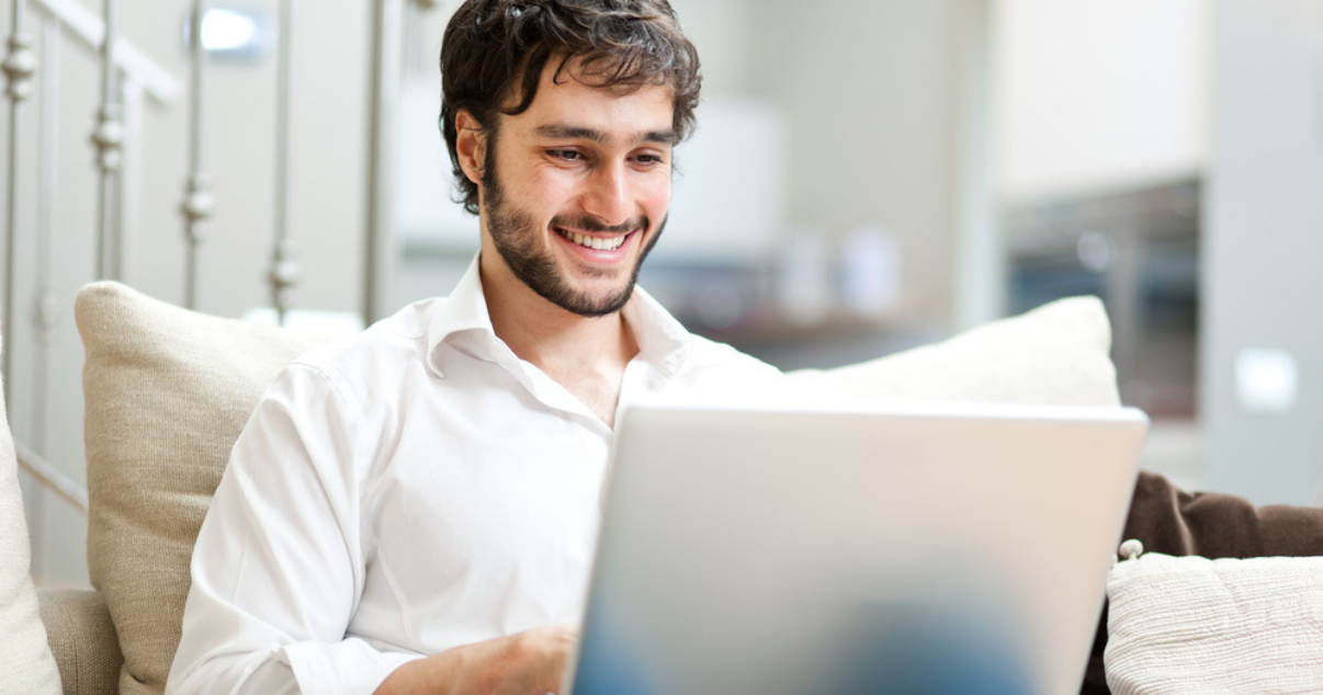 Man using a subscription billing platform for his e-commerce business